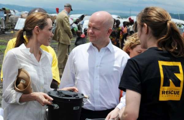 Jolie se ha reunido con mujeres y niñas víctimas de violaciones y violencias sexuales durante los conflictos del Este del Congo.