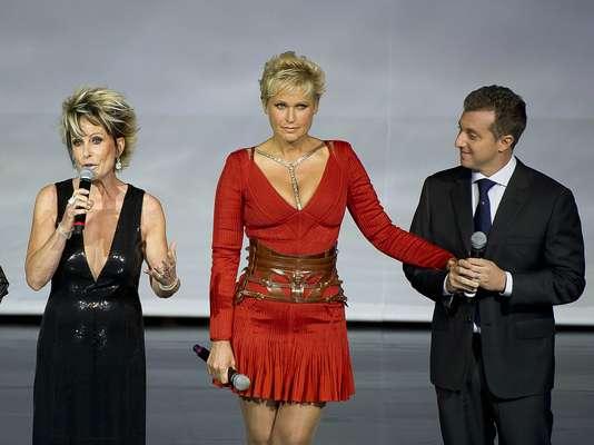 Ana Maria Braga, Xuxa e Luciano Huck em festa de divulgação da programação 2013 da TV Globo. A cerimônia aconteceu na última quarta-feira (27), em São Paulo
