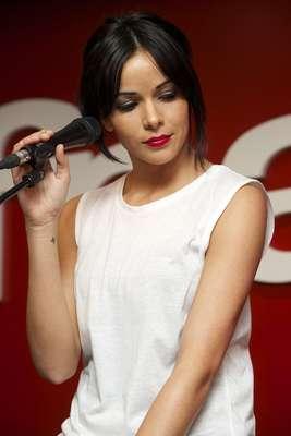 O site DTLux elegeu as 50 mulheres mais sexy do mundo e a lista, que traz desde atrizes de Hollywood até jornalistas, tem a cantora Raquel Del Rosario (foto) na última colocação. A seguir, veja a lista completa