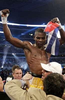 El cubano Guillermo Rigondeaux tendrá la pelea más importante de su vida debido a que se unificarán los cetros Súper gallo de la Asociación Mundial de Boxeo y Organización Mundial de Boxeo, este último en poder del filipino Nonito Donaire. Aquí te mostrarmos algunos pasajes del apodado 'Chacal'.