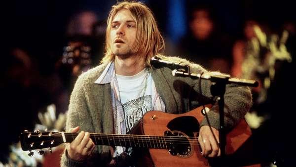 El legado musical de Kurt Cobaines innegable, por eso sus seguidores en todo el mundo lo recuerdan en sus letras, canciones y opiniones célebres. Terra recuerda al líder de Nirvana, que falleció a los 27 años de un disparo, con una selección de sus mejores frases.