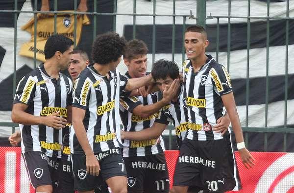 Com gol de Lodeiro e dois de Vitinho, o Botafogo bateu o Olaria neste domingo e conseguiu manter o 100% de aproveitamento na Taça Rio