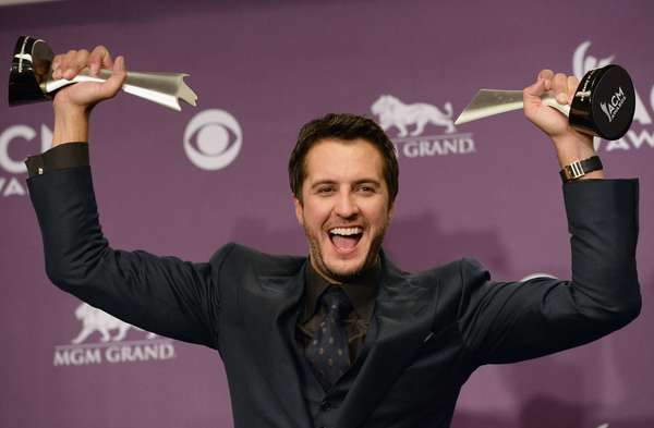 Luke bryan wins big at the acm awards photos for Academy of country music award for video of the year