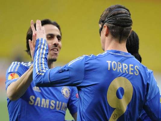 El Chelsea perdió pero avanzó a semifinales de la Europa League por su resultado conseguido en el primer partido. Torres marcó el primero de su equipo.