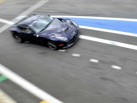A importadora oficial da Ferrari apresentou nesta sexta-feira a F12berlinetta no Brasil, no primeiro dia de um evento no autódromo de Interlagos, em São Paulo