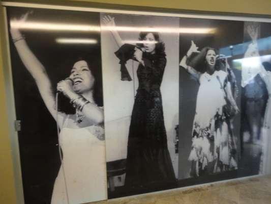 Fotos de Clara Nunes são expostas no Memorial que leva seu nome em Caetanópolis, a 96 km de Belo Horizonte