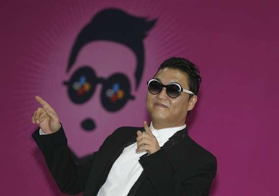 """El cantante surcoreano Psy ha dado este sábado un gran concierto en Seúl transmitido en directo en YouTube para promocionar su nueva canción """"Gentleman"""", un título atractivo para algunos o una mediocre repetición para otros, y para presentar el videoclip, que fue la clave del éxito mundial de """"Gangnam Style""""."""