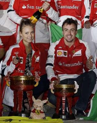 Desde que comenzaron su relación Fernando Alonso y Dasha Kapustina se han mostrado inseparables. Tanto es así, que el pasado fin de semana la modelo viajó hasta China para celebrar junto a su pareja el último Gran Premio de la Fórmula 1.