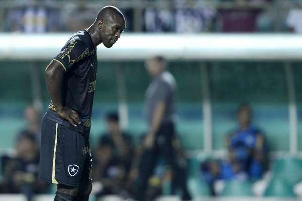 O Botafogo estreou na Copa do Brasil nesta quarta-feira com um empate por 0 a 0 com o Sobradinho-DF, no Estádio Bezerrão, na cidade do Gama