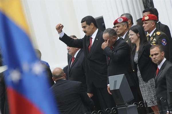 Nicolás Maduro juramentó este viernes como nuevo presidente de Venezuela y formalmente se convirtió en el sucesor del fallecido Hugo Chávez.