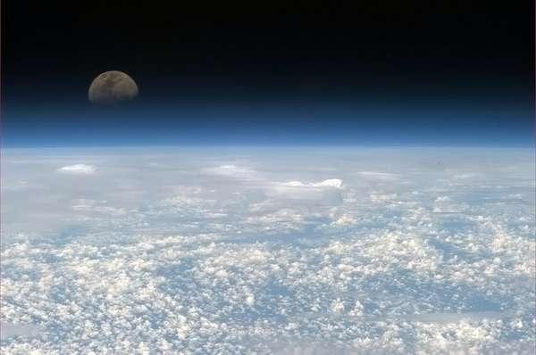 La Luna y la Tierra desde el espacio.