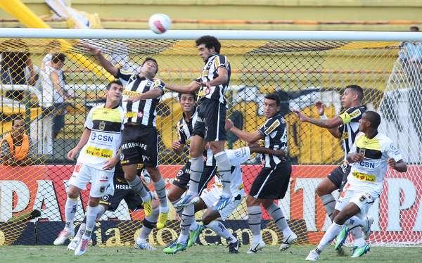 Bruno Mendes fez o único gol da vitória do Botafogo sobre o Volta Redonda