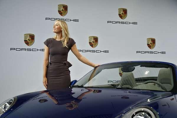 A russa Maria Sharapova se tornou em 22 de abril a embaixadora mundial da montadora alemã Porsche. Com rendimentos em 2012 de US$ 27,9 milhões, a russa foi indicada pela revista americana Forbes como a esportista mulher mais bem paga do mundo. Navegue pelas próximas páginas e saiba mais sobre os patrocinadores dos nove tenistas mais ricos do mundo: