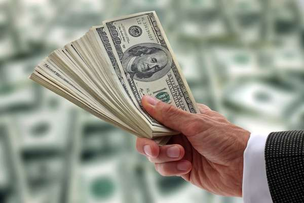 Apesar da crise, padrão-dólar deve prevalecer como o mais confiável para as transações comerciais e financeiras no mundo