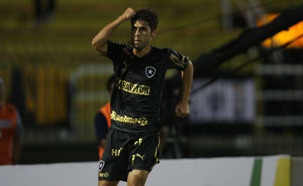 Com gols de Rafael Marques e Fellype Gabriel, o Botafogo venceu o Sobradinho-DF por 2 a 0, nesta quarta-feira. Agora o time carioca enfrentará Fast ou CRB na próxima fase