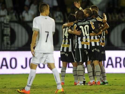 Botafogo fez 5 a 0 no Resende e foi à final da Taça Rio