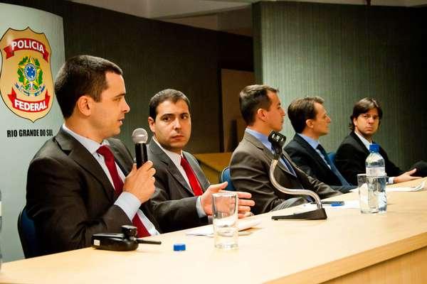 Delegados da Polícia Federal falam sobre prisões efetuadas