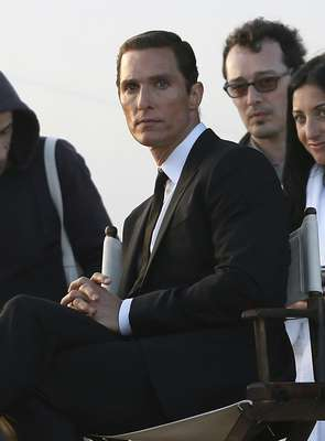 O ator Matthew McConaughey posou para nova campanha de perfume da Dolce & Gabbana