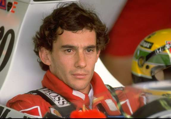 May 1st marks the 19th anniversary of the death of Ayrton Senna da Silva during the 1994 San Marino Grand Prix. Senna was considered by many the greatest race car driver in history, even though he only lived to be 34. He won 3 Formula 1 championships and when he died it was considered a national tragedy in his native Brazil, where three days of mourning were held. Senna is only one of many athletes who was taken from us at too young an age. Terra presents some others in the following pages: