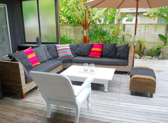 En el paisaje urbano de su hogar también puede instalar el suelo más natural con la elección de tres diseños representativos que le conectan con el exterior.