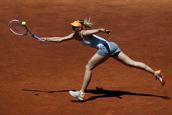 Tenista russa Maria Sharapova triunfou sobre Alexandra Dulgheru por 2 sets a 0, com parciais de 7/5 e 6/2, após 1h36 de jogo