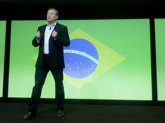 A Sony anunciou, em evento nesta terça-feira (7), que passará a vender o Playstation fabricado no Brasil por R$ 1099 a partir deste final de semana. Além disso, a empresa, que já tem uma fábrica funcionando em Manaus, prometeu investimento de R$ 300 milhões no País para os próximos 12 meses
