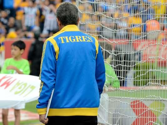 Rayados elimina a tigres y enfrentar a am rica en semifinal for Cuando es fuera de lugar en un partido de futbol
