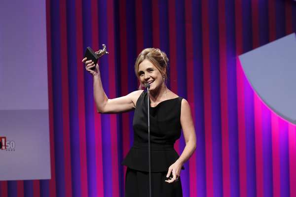Adriana Esteves ganhou o prêmio de Melhor Atriz por seu papel como a vilã Carminha, em 'Avenida Brasil'