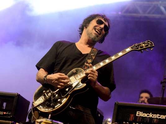 Lobão abriu o palco do rock, na avenida São João, na Virada Cultural 2013
