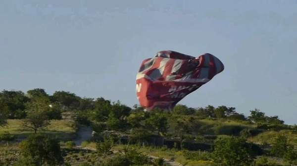 Acidente com balão na região turística da Capadócia, na Turquia, aconteceu nesta segunda-feira