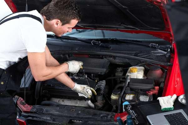 Alem De Verificar O Oleo Do Motor E Preciso Checar Tambem Os Oleos Da Caixa
