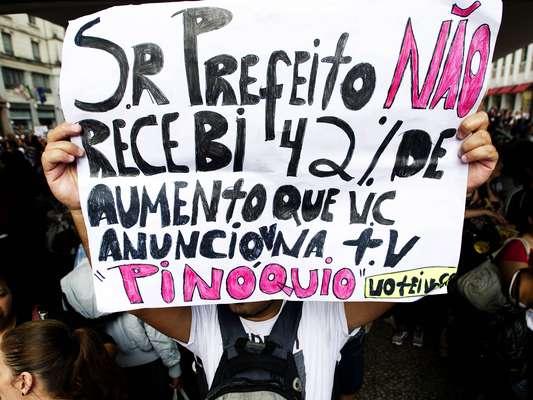 Os professores municipais de São Paulo decidiram manter a greve iniciada no último dia 3 de maio