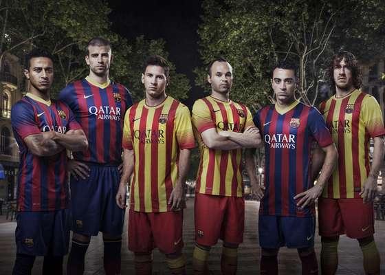Barcelona apresenta novos uniformes para a temporada 2013/2014, com o tradicional uniforme titular azul-grená, mas com uma curiosa camisa em amarelo e vermelho como reserva. Confira imagens das peças: