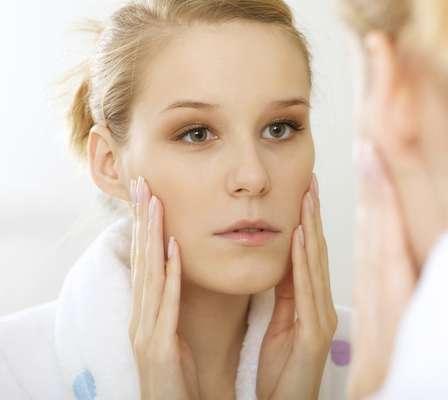 Teste feito em casa precisa apenas da ajuda do espelho e da luz natural