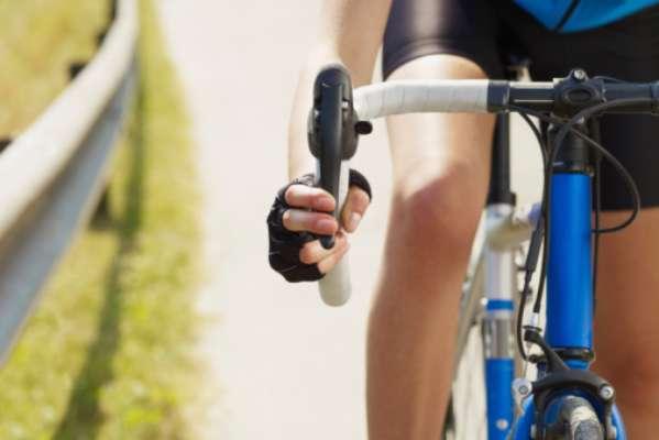 Condicionamento físico: o ciclismo trabalha as pernas, coxas, glúteos, além se ser bom para o coração e sistema cardiovascular