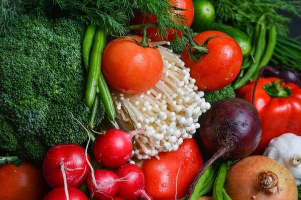 Produtos orgânicos não se limitam à ausência de agrotóxicos ou adubos químicos. Essa cultura busca a sustentabilidade social, econômica e ambiental