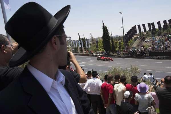 """Israel sediou, nesta sexta-feira, uma corrida para promover a corrida """"Jerusalém, a estrada da paz"""", que começa em Jerusalém ocidental e termina no leste da região"""