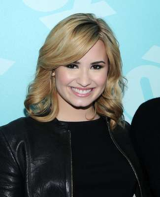 Demi Lovato quiere una Barbie igual a ella. La estrella, que cumplirá 21 años el próximo mes de agosto, pidió a sus fans que presionaran a la compañía Mattel para que diseñe una nueva muñeca Barbie inspirada en su apariencia. ¿La comprarías?