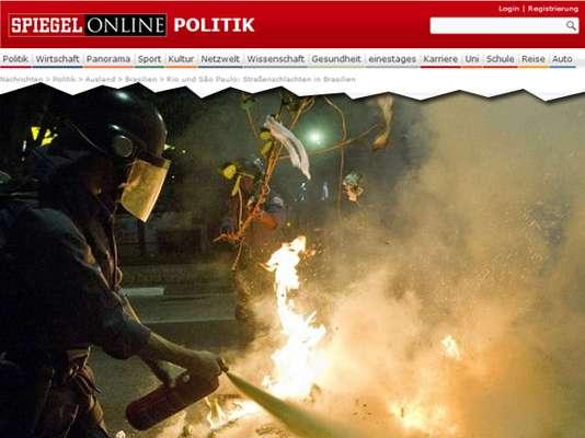 Em reportagem intitulada 'Batalhas nas ruas, por causa de sete centavos (de euro)', a versão online da revista alemã Der Spiegel afirma que os policiais atacaram com balas de borracha e gás lacrimogêneo, enquanto os manifestantes estavam armados de coquetéis molotov e facas nas manifestações na noite de quinta para sexta-feira em São Paulo e no Rio de Janeiro