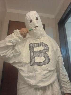 """Mediante las redes sociales, los fanáticos de Racing comienzan a festejar a cuenta la caída de Independiente a la B Nacional. Así, """"El fantasma de la B"""" mostró sus cargadas para el """"Rojo""""."""