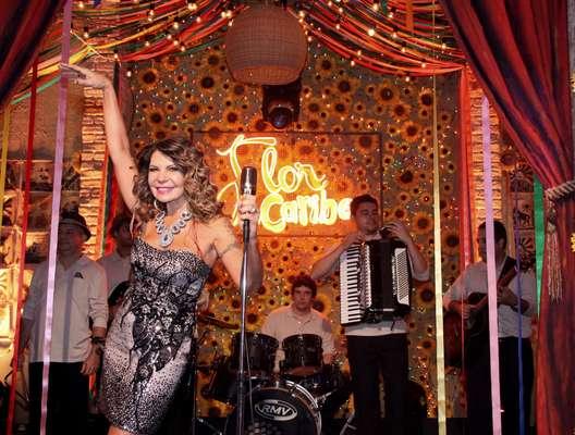 Elba Ramalho participou da gravação da novela global Flor do Caribe, nesta terça-feira (18), no Projac, no Rio de Janeiro