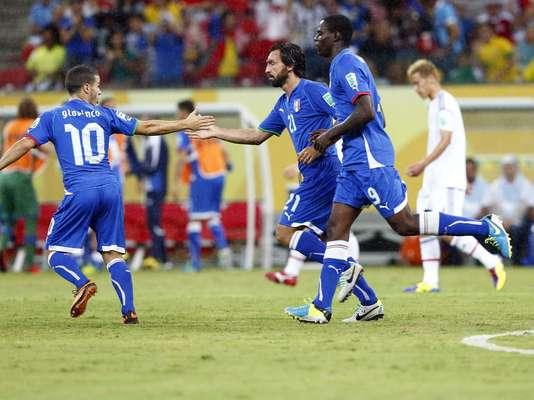 No jogo mais emocionante da Copa das Confederações até agora, a Itália virou para cima do Japão nesta quarta-feira, venceu por 4 a 3 e saiu de campo com a classificação para as semifinais