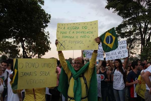 Clima de manifestações contra os mais variados temas seguiu firme em todo o País nesta terça-feira; em Belo Horizonte, não foi diferente