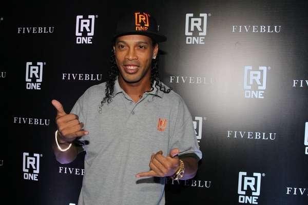 Ronaldinho gaúcho promoveu sua coleção [R]One na noite da última quinta-feira (20) em São Paulo
