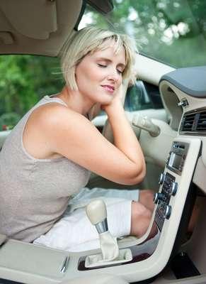 Mito - Ligar o ar condicionado não gasta o gás do sistema, não se preocupe. Isso é uma das maiores bobagens sobre manutenção automotiva. O gás, aliás, não precisa ser completado ou reposto se tudo estiver em dia. Ele só vazará em caso de defeito