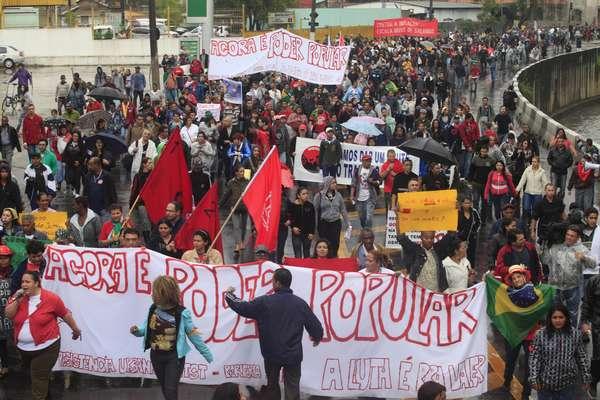 Manifestantes protestaram em periferia da zona sul na manhã desta terça-feira em São Paulo