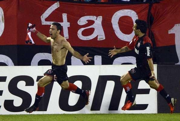 Com dois gols no segundo tempo - um deles de Rodríguez -, o Newell's Old Boys deu um passo importante rumo a final da Copa Libertadores: na partida de ida da semifinal, fez 2 a 0 no Atlético-MG