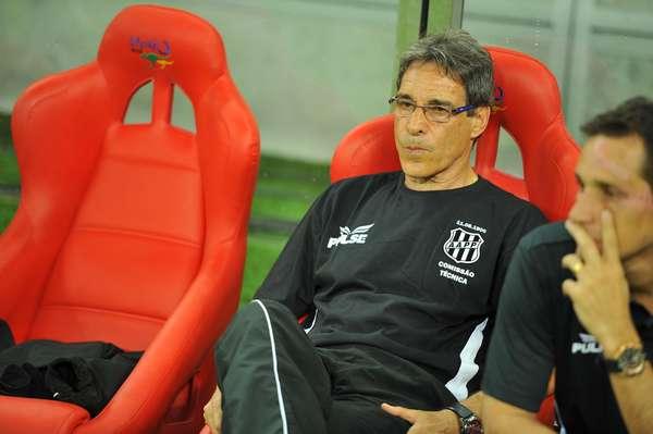 Paulo César Carpegiani mostrou que já fez um bom trabalho na Ponte Preta. Em sua estreia no clube, o treinador conseguiu vencer o Náutico em Pernambuco, por 3 a 1 e com grande domínio do jogo