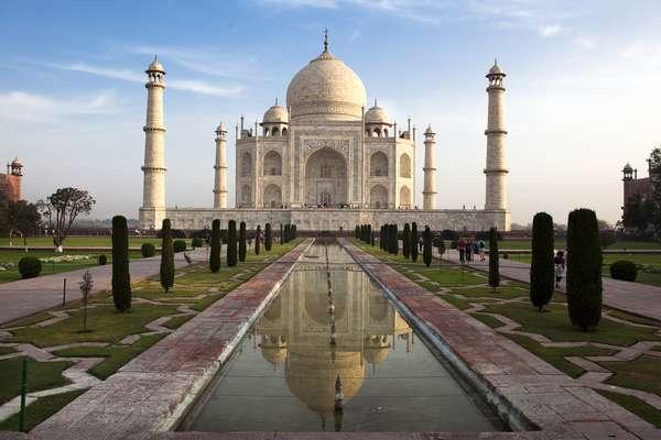 Índia: a gorjeta é culturalmente importante por lá, já que os ricos costumam ser generosos com os menos favorecidos. Não esqueça de dar dinheiro extra para porteiros, empregados do hotel e taxistas