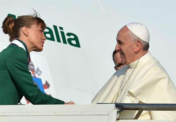 22 de julho - O avião do papa Francisco decola às 8h55 (horário de Roma) com destino ao Rio de Janeiro